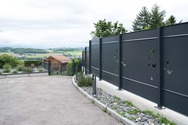 portail-exterieur-annecy-haute-savoie-jardin